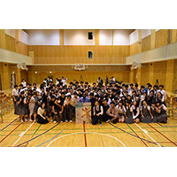 『風をつかまえた少年』映画と学ぶ特別授業(前編)-麹町中学校の生徒によるライブインタビューと原作者からのメッセージ-