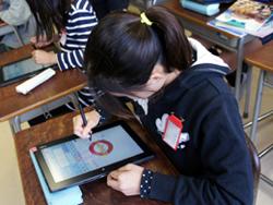 手書きの文字を認識できるデジタルドリルを使った学習