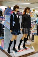 ナルミヤブランド「ANGEL BLUE」でも制服ラインのデザインを扱う