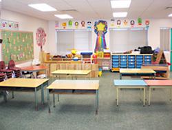 ブリティッシュコロンビア州バーナビー市セカンドストリート・コミュニティスクールの教室風景。