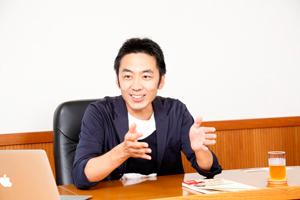 山田暢彦氏