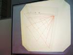レポーターが作った2等辺三角形の図形。ほめられて喜ぶ子どもの気持ちがわかった