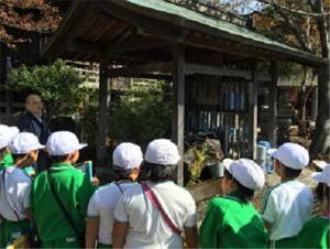 名水・宝寿水について、地蔵寺の住職さんに教えていただく