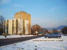 ハイデルベルクのノイエンハイマーフェルド (Neuenheimer Feld)学生村。 ここには学生寮が21戸立ち並び およそ1,900人の学生が生活している。