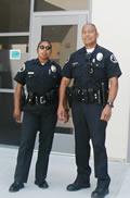 キャンパス警察官のペレスさんとガルシアさん