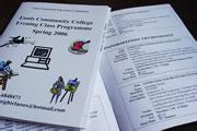 イブニングコースの内容、時間、値段などが書かれた冊子と申込書。このページではガーデニングやコンピューターのコースについての詳細が記されている。